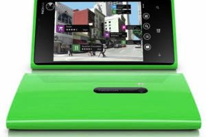Green Lumia 920 Pops Up Down Under