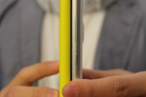 Thickness comparison: Nokia Lumia 920 versus the slimmer, lighter Nokia Lumia 925