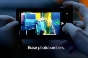 Video: Nokia Lumia 928 ad from Microsoft – Erase the photobombers