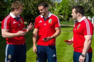 Limited Edition #TeamRed and #TeamYellow Nokia Lumia 920 for Lions Tour – Chance to Win one for yourself!