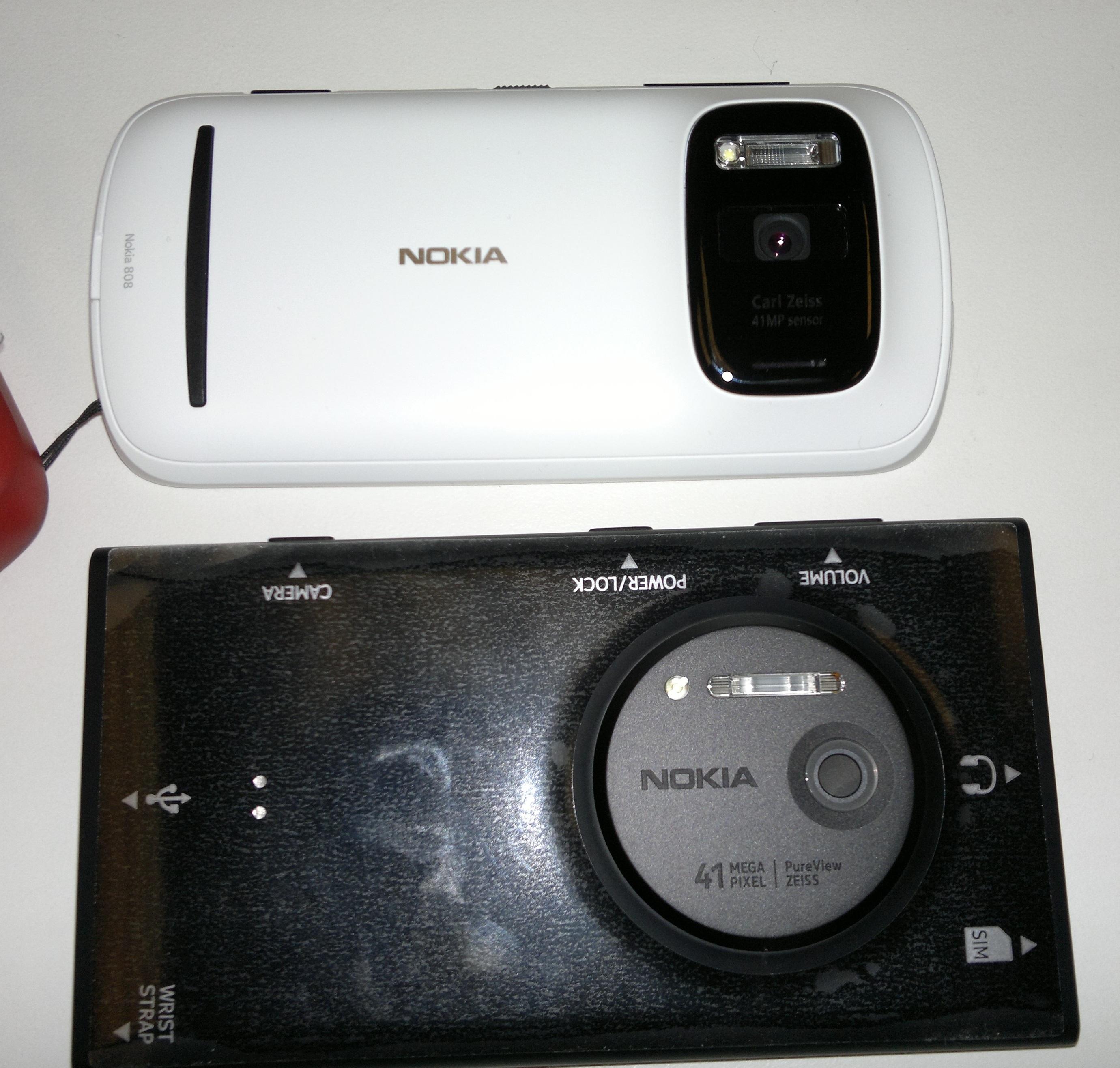 Nokia 808 Pureview vs Nokia Lumia 1020 Nokia Lumia 1020 vs