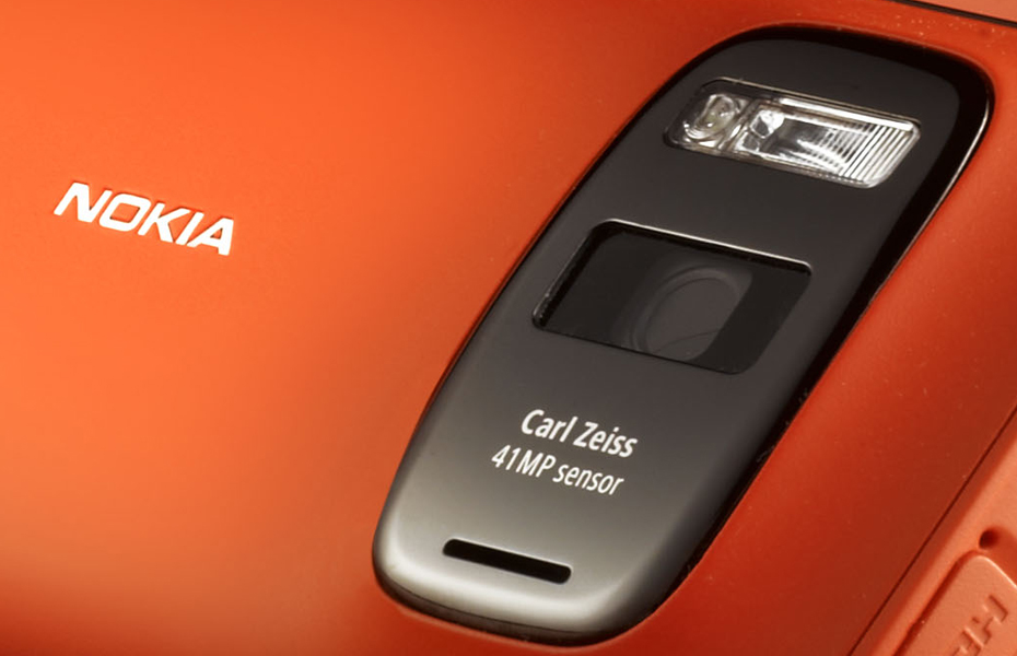 Nokia-808-PureView-Camera