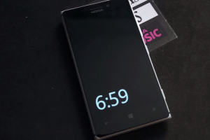 Nokia Sleeping Screen Update, Hover Hand to Wake Phone (Video)