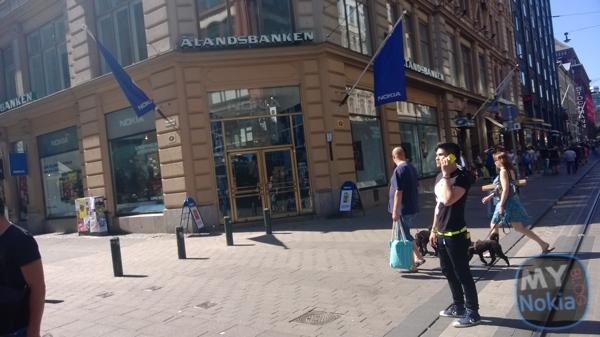MNB WP_20130727_031nokia flagship store helsinki