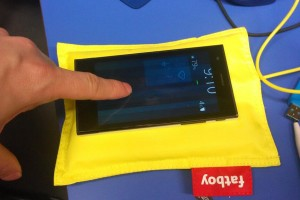 Jolla Other Half Hacked To Have Wireless Charging