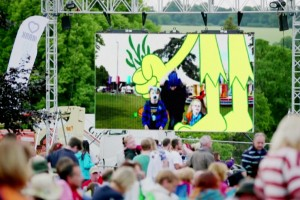 Nokia Lumia 930 and Microsoft One Experience Live – Family festival stunt